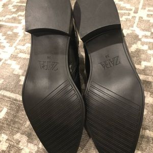 Zara Shoes - Zara flat heeled ankle boots